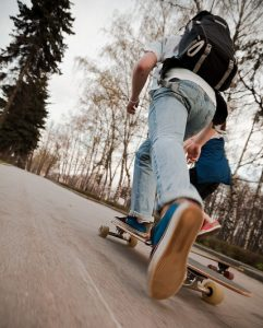 pushing longboard stance