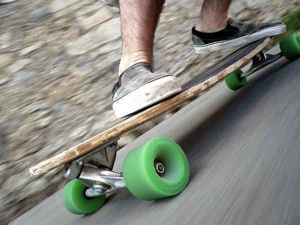 skateboard vs snowboard stance and balance