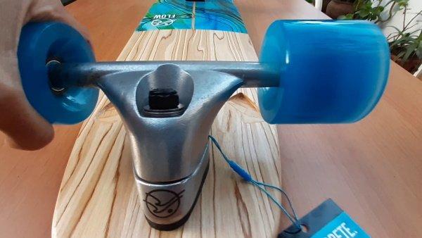 Flow surfskate truck