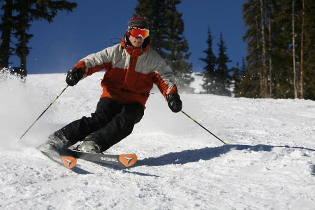 How hard is it to learn to ski for a snowboarder
