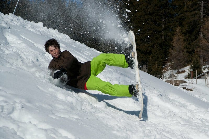 Why Snowboarding Is Easier On Your Knees Than Skiing