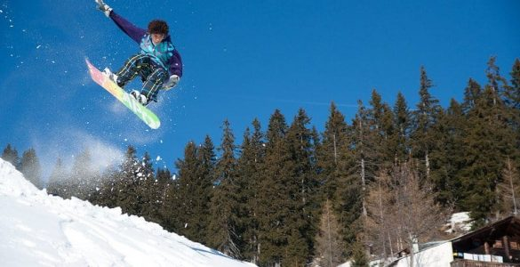 how fast can you snowboard