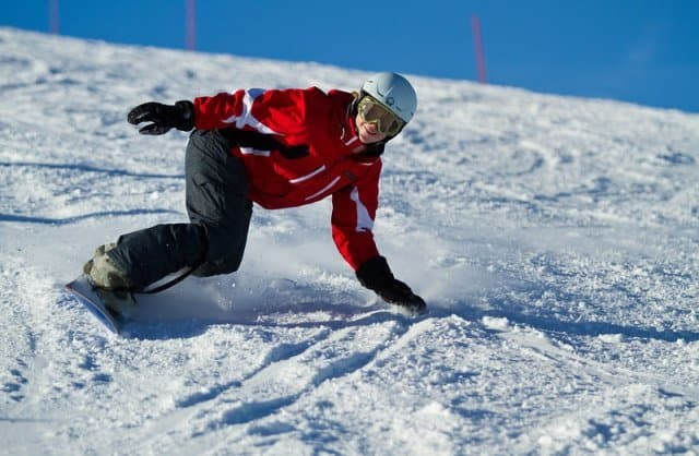 How to go faster on a snowboard