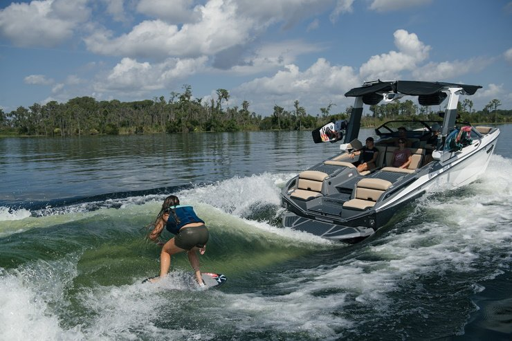 What Is The Best Nautique Boat For Surfing & Wakeboarding?