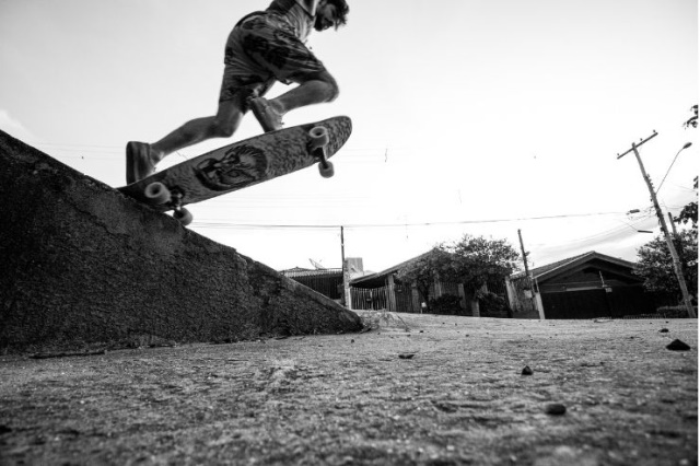 Which skateboard is best for rough roads